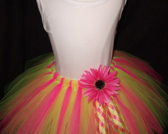 Lily Princess tutu..size Large ( 5-7) years old...plus a FREE matching flower clip....
