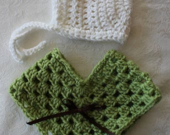 "Doll Poncho and Hat set - Green with White Bonnet - 18"" Doll Baby Doll"