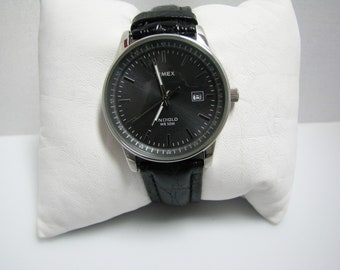 c840 Handsome Timex Indiglo Watch with Gray Dial and Date
