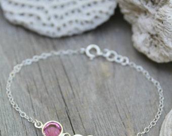 Bracelet enfant, petit bracelet fille, bracelet personnalisé en argent massif, étiquette personnalisée estampillé initial cœur & Pierre de naissance Swarovski