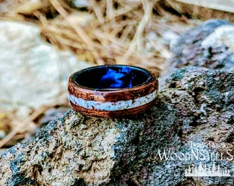 Bentwood Ring with Crushed Inlay and Celluloid Liner.
