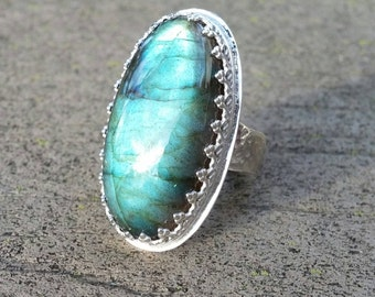 Labradorite in sterling gallery with hammered band size 8.75