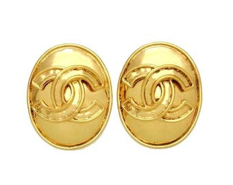SALE - Authentic Vintage Chanel earrings CC logo round #ea1448