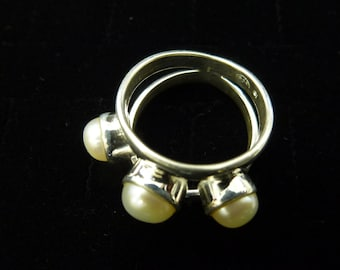 Beautiful Vintage Sterling Silver Three Pearl Open Whimsical Design Women Ring