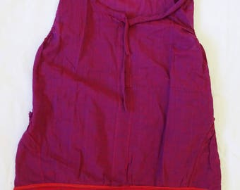 Red Ladies Top made in Nepal. 100 % cotton. Lightweight, perfect for summer!