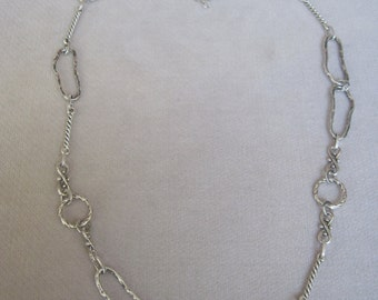 Contemporary n Irregularly Shaped Oval and Twisted Column Metal Component Necklace