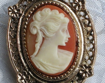 CaMeo Carved Vintage Brooch Pin Estate Modern Japan Mid Century Signed Antique Victorian High Relief Elegant Romantic Woman Filigree Ornate