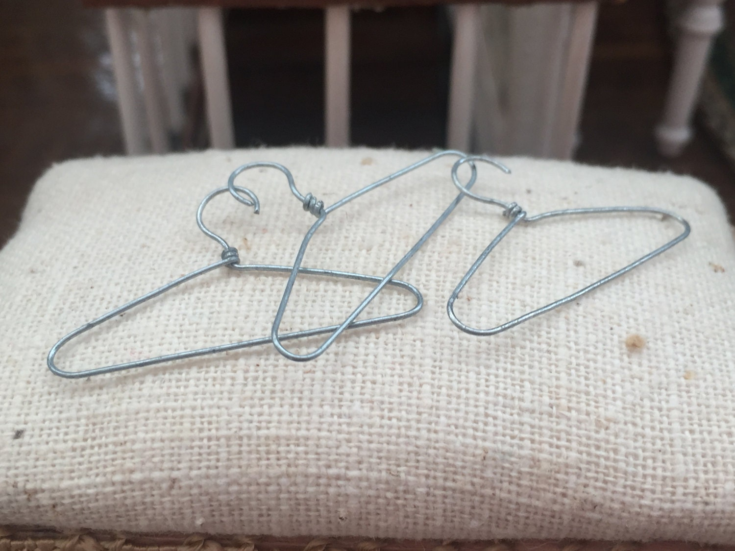 Miniature Wire Hangers Dollhouse Miniature 1:12 Scale