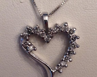 Vintage 10k white gold 17 diamond open heart pendant .34 tw K-I1,2 on thin box chain