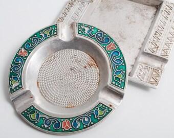 Set of 2 Vintage aluminum Ashtray, with enamel  (C0415)