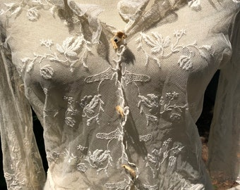 Look closely! Cream colored net and lace blouse from 1910s