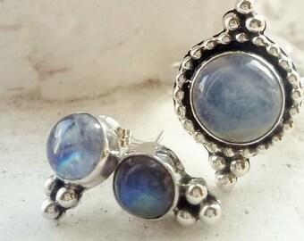 Stud earrings. Silver
