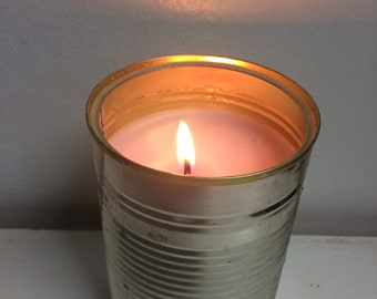 Soy wax candle in upcycled tin can / recycle / handmade