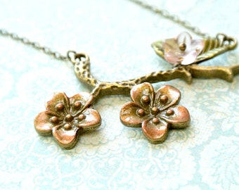Flower Pendant Necklace, Floral Necklace - Iceblues