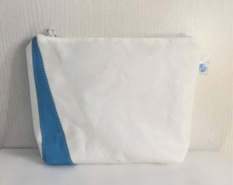 Toiletry bag in white and blue recycled sailcloth