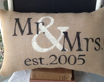 Mr and mrs pillow, personalized pillow, valentines gift, wedding gift, decorative pillow, throw pillow , accent pillow