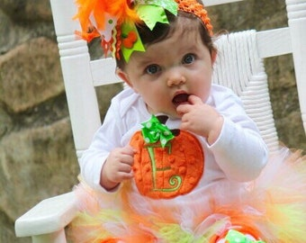 FREE SHIPPING - Pumpkin Outfit -- Baby Girl Pumpkin Outfit -- Pretty Little Pumpkin -- bodysuit, tutu, leg warmers and Over The Top bow