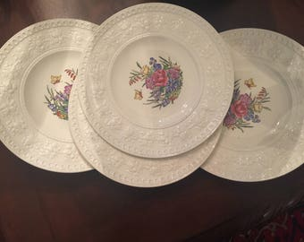Set of Four Wellesley Tintern Luncheon Plates