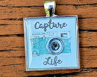 Capture Life Resin Pendant, Photographer Pendant, Camera Pendant, Camera Jewelry, Photographer Gift, Photography Pendant
