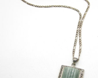Vintage sterling silver chain & jade pedant necklace