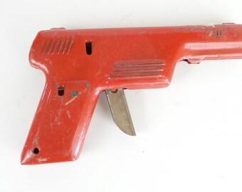 Vintage Red Metal Wyandotte Water Pistol