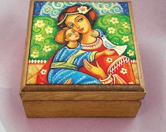 Virgin Mary and Jesus child, Madonna and child painting, wooden gift box, mother box, christian box, jewelry box, 3.5x3.5+