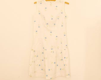 Sleeveless, White and Blue Floral Print Mini Dress - 1980s