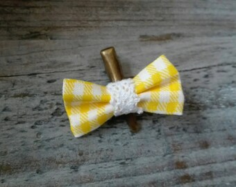 """""""Crocodile"""" (yellow and white gingham) hair clip"""