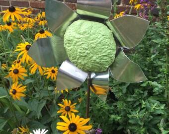 Green garden flower stake. Garden flower stake. Garden decor. Metal garden stake. Metal flower stake. Metal yard art