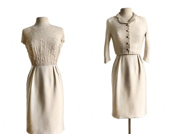 Vintage 60s cream lace wiggle dress set with bolero/ champagne lace dress suit/ winter white Mad Men dress suit/ XS