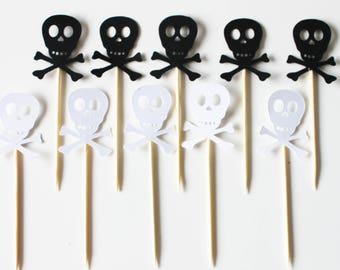 10 cupcakes (cupcake toppers) toppers - pirate skull birthday heads