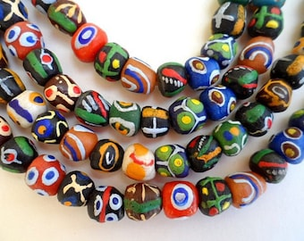 56 various beads of glass from Ghana - mixgb49