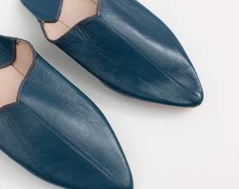 Women's Leather Slippers || Traditional Moroccan Pointed Babouche || Dyed With Natural Colour || Indigo