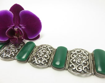Circa 1940 Mexican Silver and Green Stone Link Bracelet