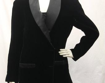Vintage Ann Hobbs For Cattiva, Womens Size 6, Black Velvet Blazer, Satin Collar, Long Sleeves, Double Breasted, v80009