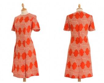 Vintage 1960s 1970s orange red geometric print day dress - size M