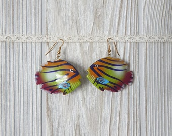 tropical wish | Vintage 80s 90s Carved Hand Painted Wooden Tropical Fish Earrings // for pierced ears