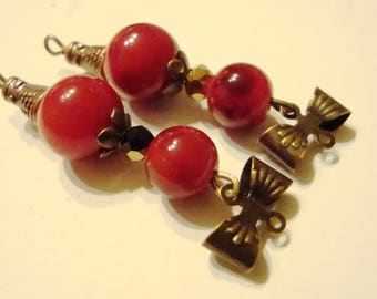 x 2 connectors 8mm and 4mm, with bow red glass bead bronze