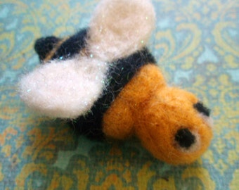 Needle Felted Bee - Felt Wool Bee - Needle Felted Insect - Summer Felted Critter - Bumblebee Decor - Small Woolen Bee - Waldorf Decoration