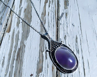 Amethyst Amulet Necklace - Evil Queen Necklace - Purple amulet - Regina Necklace - Sorerer Necklace - Fairytale jewelry