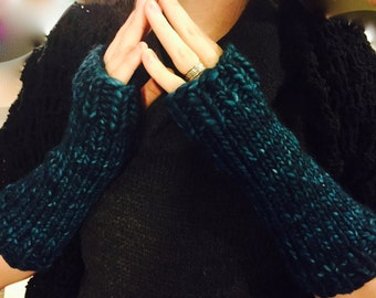 Cozy & Stylish Knitted Nyx Armwarmers