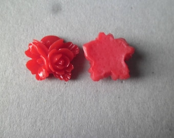 5 embellishments 3 flowers in red resin 16 x 16 mm