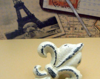 Fleur de lis Cast Iron FDL Drawer Pull Cabinet Knob Shabby Chic Off White Home Decor