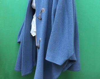 Made in Italy | Hooded Cape | Toggle Coat | Vintage Cape | Black Cape Pens | Alpaca Cape | Vintage Cape | Made in Italy Cape | Wool Cape | 90s cape
