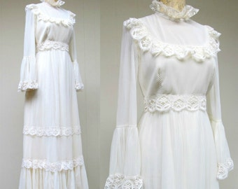 Vintage 1970s Wedding Gown / 70s Ivory Lace Boho Neo-Victorian Maxi Dress / Small