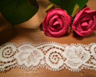 Ivory stretch lace 3 cm wide