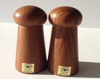 Salt and Pepper Shaker Genuine Teak Wood Baker Hart and Stuart made in Thailand Salt and Pepper Shakers