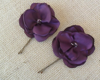 Plum purple Bridal hair flowers, Wedding hair accessory, Wedding hair pin, Purple hair pins, Bridesmaid hair flowers, YOUR CHOICE COLOR