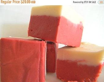 MÉGA vente Julie Fudge - rouge Velvet Cake - velours rouge & Cheesecake émerveillement - livres et demie