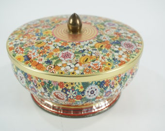 "Vintage Daher Round Metal Tin, Sewing Tin Storage Container, Metal Lid, Floral Design, Biscuit Sweet Tin Made in England 6 5/8"" D, Free Ship"